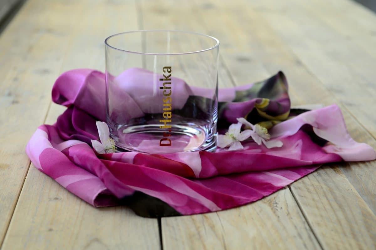 dekoratives Glas mit Logo als Werbemittel